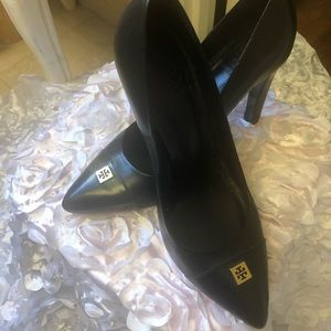 Hardly used Tory Burch beautiful pumps